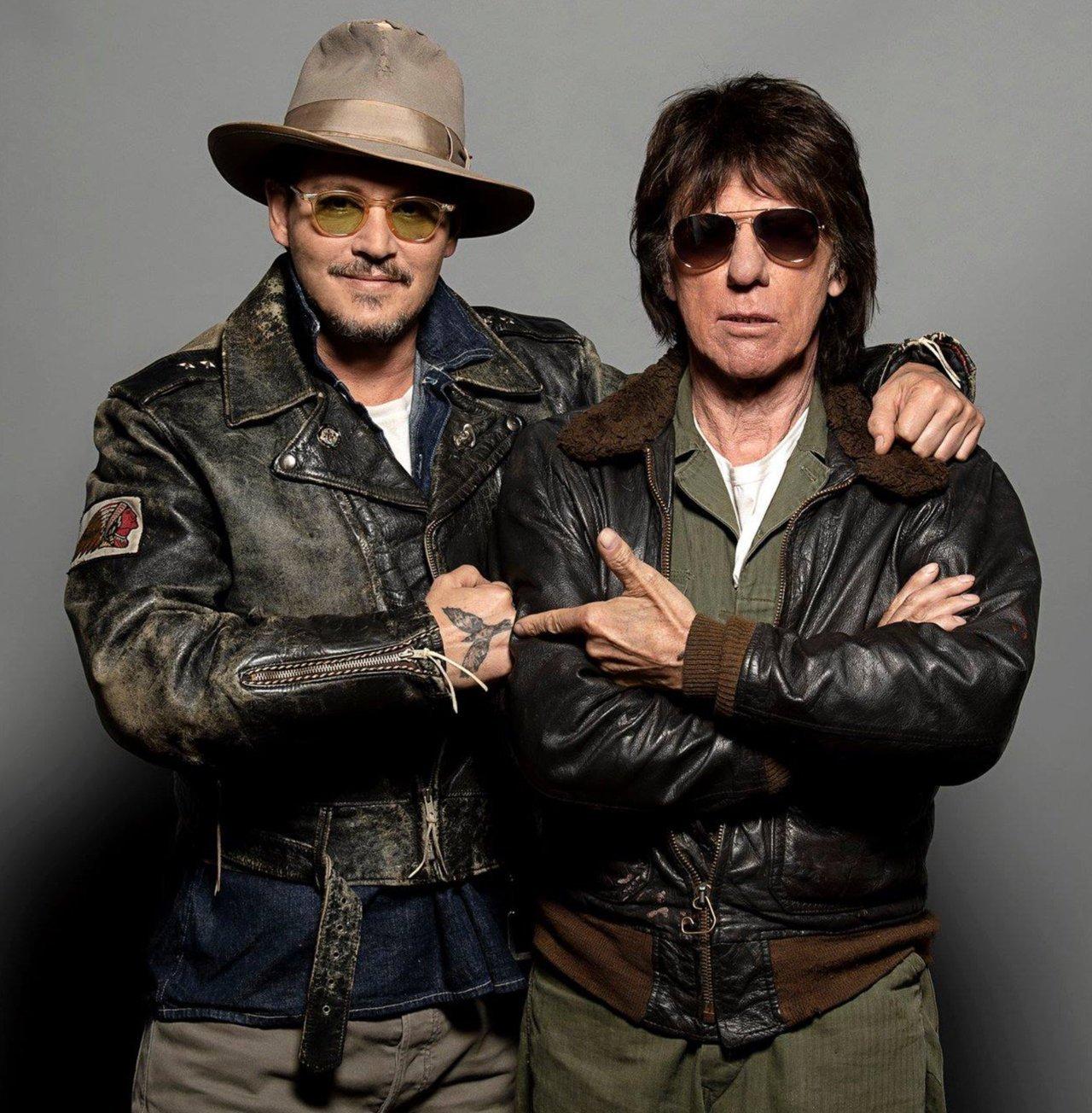 Jeff Beck a Johnny Depp nahrali skladbu Johna Lennona
