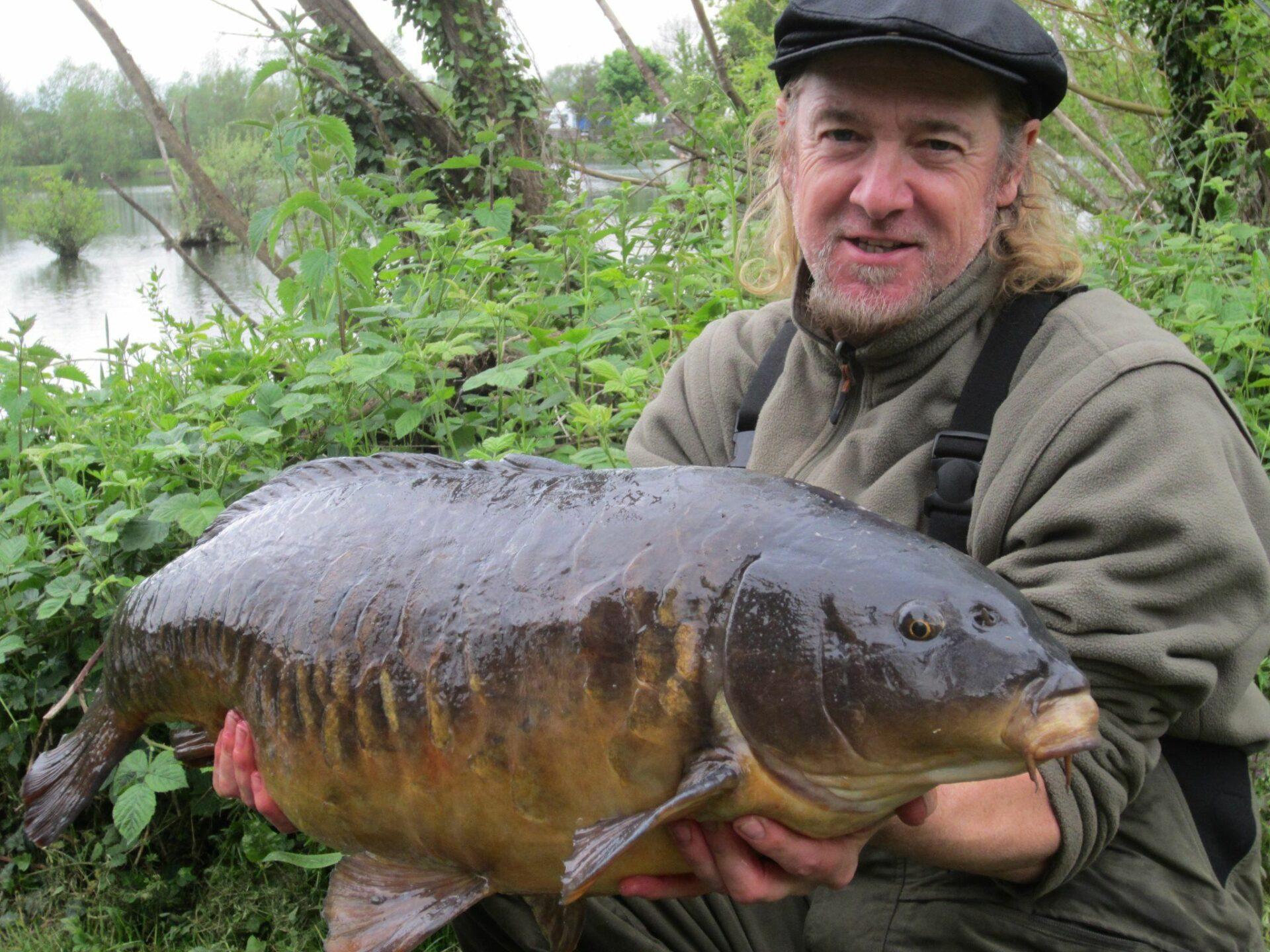 Adrian Smith vydáva rybársku monografiu